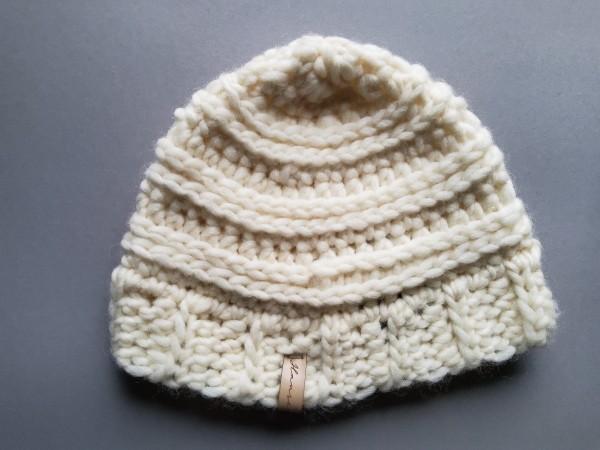 Mütze MAC wollweiß reine Wolle Gr. L gehäkelt