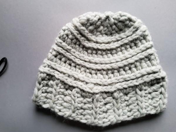 Mütze MAC hellgrau reine Wolle Gr. L gehäkelt